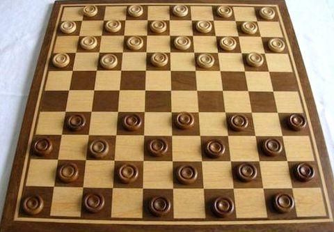 Как научиться играть в шашки хорошо правилам, но