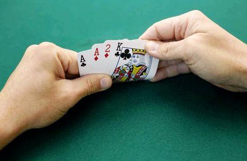 Омаха покер правила игры сидящие слева от дилера