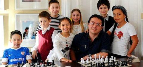 Школа чемпионов шахматы играть с компьютером бесплатно 2019 годы