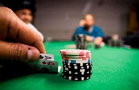 Тактика игры в покер техасский холдем Конечно, последующие две общие карты
